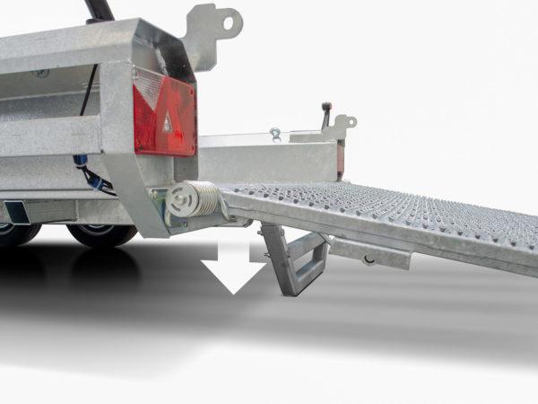 Hulco Baumaschinentransporter gebremst TERRAX Stützen an der Heckklappe